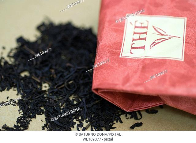 dried tea leaves and paper bag