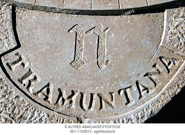 geographical center, north, compass, Pinos, Solsones, Catalonia, Spain