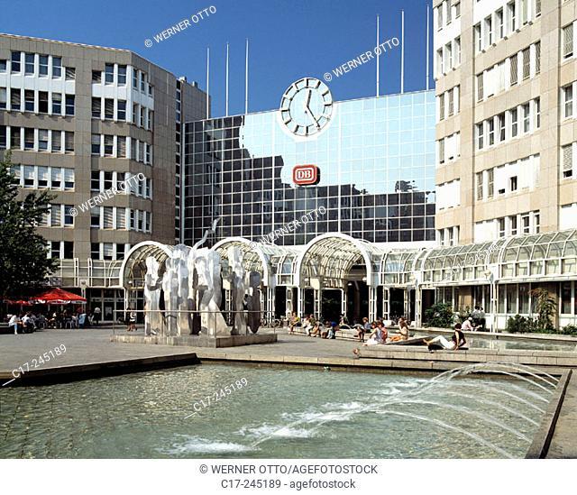 Central Station, Düsseldorf, North Rhine-Westphalia, Germany