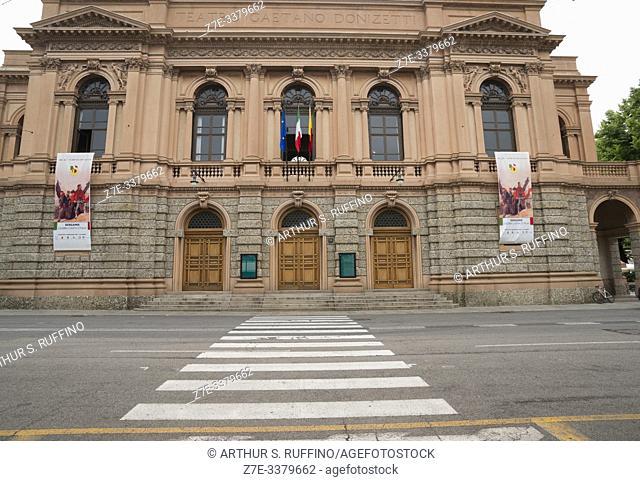 Façade of Donizetti Theatre (Teatro Gaetano Donizetti), Piazza Cavour, Lower City (Città Bassa), Bergamo, Lombardy, Italy, Europe