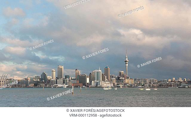Skyline of Auckland showing the Sky tower, Auckland, North Island, New Zealand