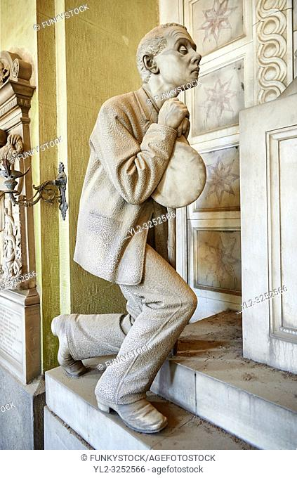 Picture and image of the Realistic blind man stone funary monument sculpture commissioned by Enrico Amerigo for his sisters memory