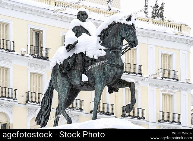 January 9, 2021, statue of Carlos III in the Plaza Puerta del Sol after Storm Filomena brought intense snow, MADRID, SPAIN, EUROPE