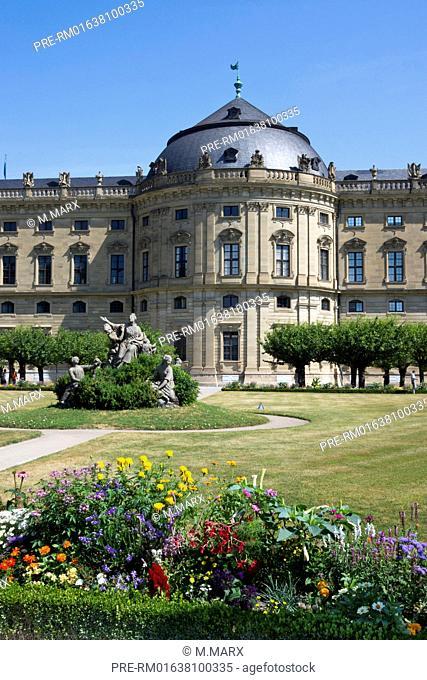 Wuerzburg Residence with court gardens, Wuerzburg city, Bavaria, Germany, Europe / Würzburger Residenz, Würzburg, Bayern, Deutschland, Europa