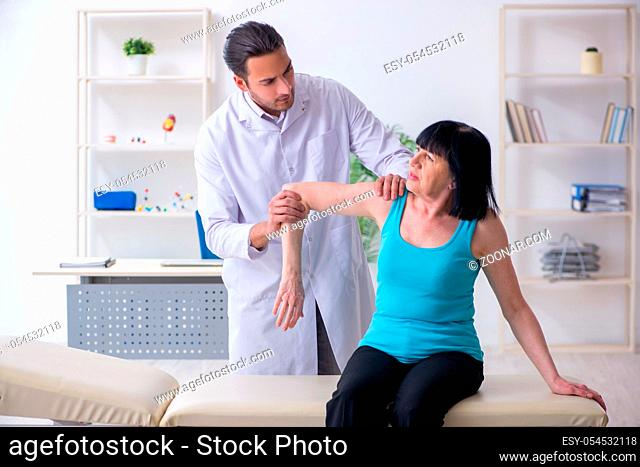 The mature woman patient visiting doctor