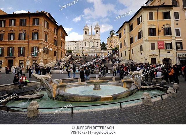 ITALY, ROME, 23.11.2008, Spanish Steps and Fontana della Barcaccia, Piazza di Spagna, Rome, Italy, Europe - ROME, ITALY, 23/11/2008
