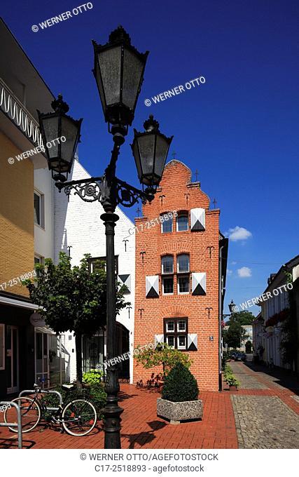 Germany, Moers, Lower Rhine, Ruhr area, Rhineland, North Rhine-Westphalia, NRW, old downtown, residential house Fieselstrasse 24, brick house
