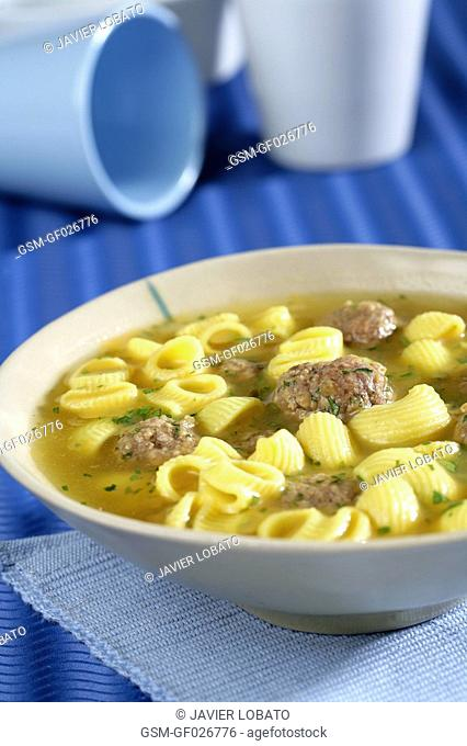 Meatballs and galets typical of Catalonia pasta