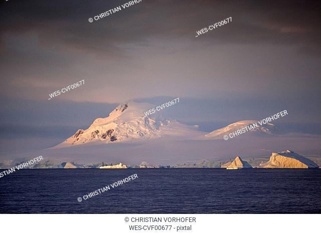 Antarctic, Antarctic Peninsula, iceberg, morning mood