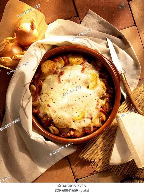 Potato and Reblochon cheese-topped dish