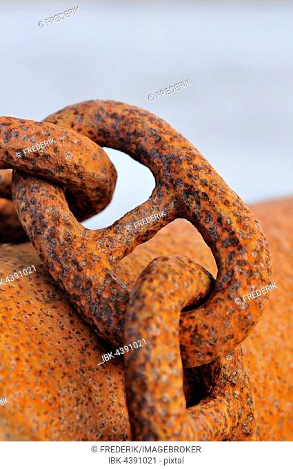 Rusty chain links, iron chain, close-up, Lower Saxony, Germany