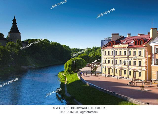Russia, Pskovskaya Oblast, Pskov, riverfront cafes on the Pskova River