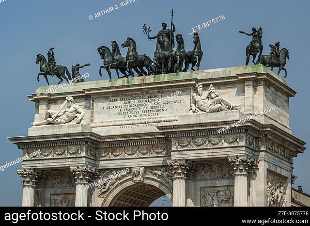 Chariot of Peace by Abbondio Sangiorgio and Victory equestrian statues by Giovanni Puti above Arco della Pace/Porta Sempione (Arch of Peace)