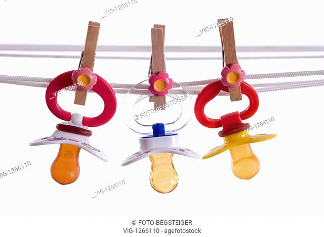 dummies on clothesline - 27/03/2009