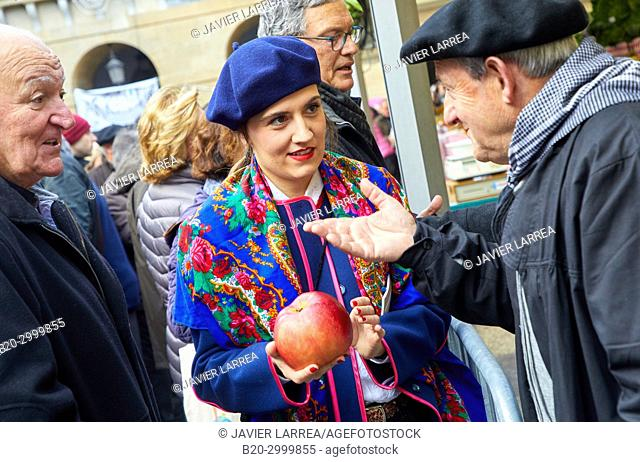 Fruit and vegetable contest, Large apple, Feria de Santo Tomás, The feast of St. Thomas takes place on December 21. During this day San Sebastián is transformed...