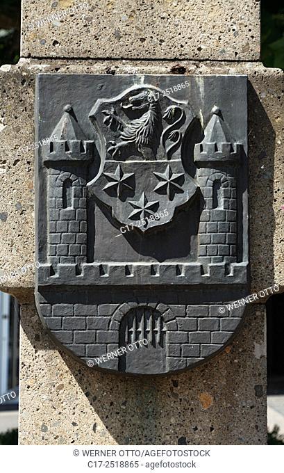 Germany, Viersen, Niers, Lower Rhine, Rhineland, North Rhine-Westphalia, NRW, tuff column at the Remigius Square, heraldic sign of Viersens twin town Calau