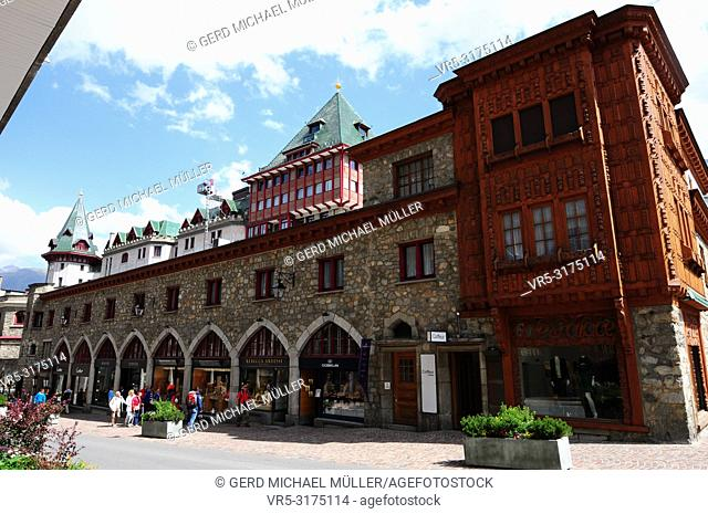 Via Serlas: St. Moritz' luxury brand store Shopping mile at Via Serlas in front of the legendary Badrutt palace hotel