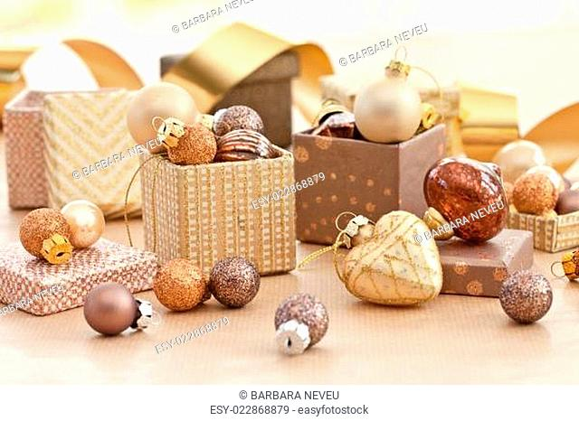 Bunte Christbaumkugeln Shop.Gift Coupons Stock Photos And Images Age Fotostock
