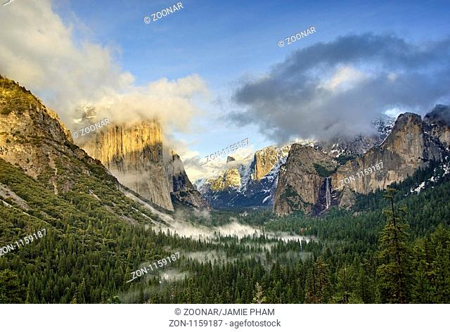 Dramatic View of Yosemite National Park from Tunnel View