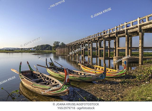 U Bein Bridge, Amarapura, Mandalay, Myanmar, Asia