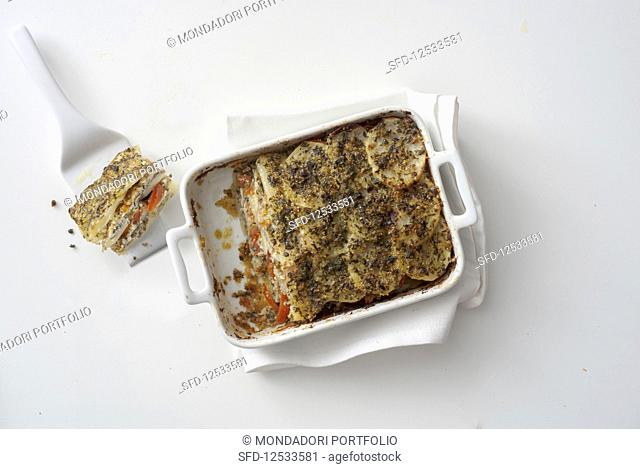 Tortiera di patate (potato bake with fresh anchovies and tomatoes, Italy)