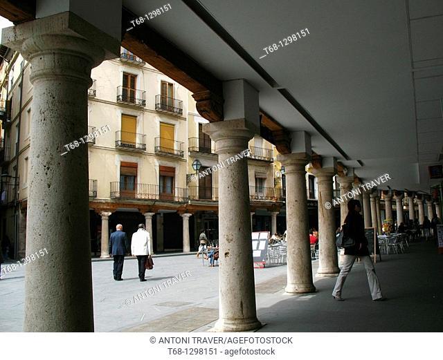 Arcade, Plaza del Torico, Teruel, Aragon, Spain