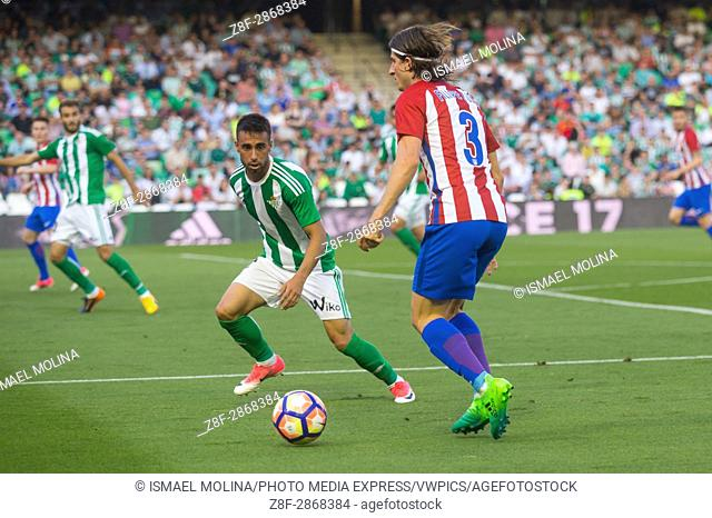 Rafa Navarro(L) and Filipe Luis (R) in action during the match between Real Betis vs Atlético de Madrid as part of Liga Santander on May 14, 2017 in Seville