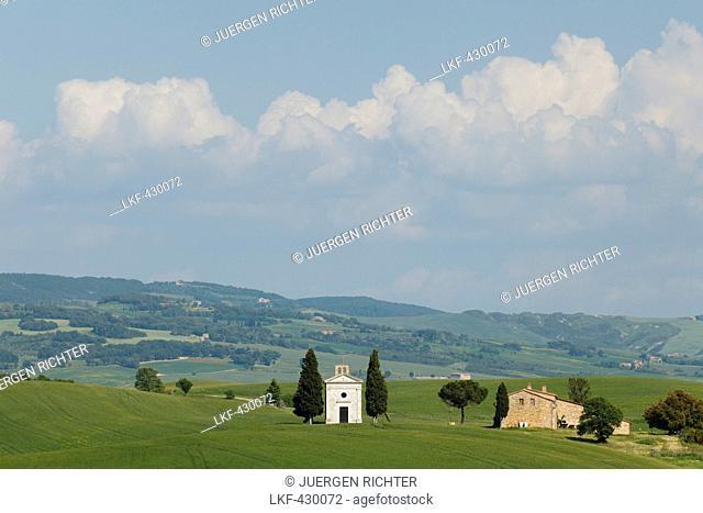 Vitaleta chapel, Cappella di Vitaleta, cypresses, near Pienza, Val d'Orcia, Orcia valley, UNESCO World Heritage Site, province of Siena, Tuscany, Italy, Europe