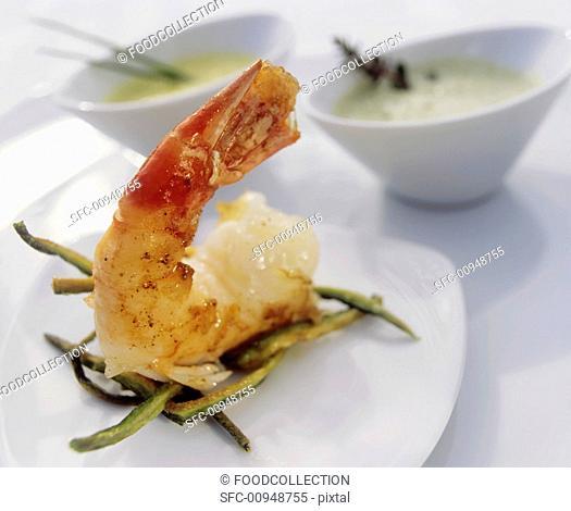 Fried prawn with dips