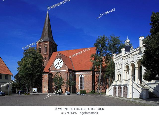 Germany, Wittenburg, Motel, administrative district Ludwigslust, Mecklenburg-Western Pomerania, market place, church Saint Bartholomew, hall church