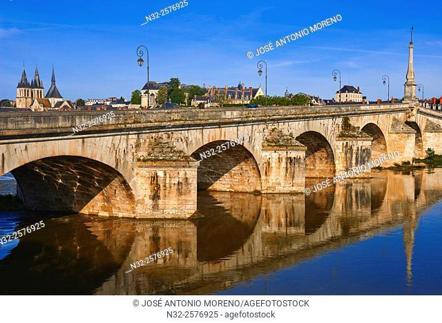 Blois, Loire River, Saint Nicolas, Jacques Gabriel Bridge, Pont Jacques Gabriel, Loire et Cher, Pays de la Loire, Loire Valley, UNESCO World Heritage Site