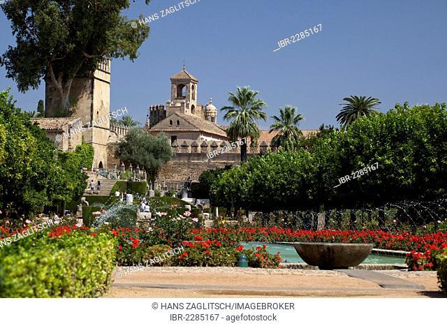 Garden and tower Torre de los Leones, Alcázar de los Reyes Cristianos, Alcázar Viejo, Córdoba, Andalusia, Spain, Europe