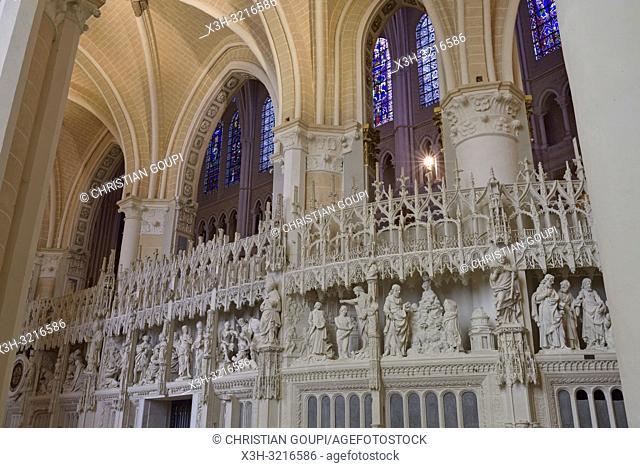 sculptures ornant la cloture ou tour du choeur de la Cathedrale Notre-Dame de Chartres, Eure et Loir, region Centre, France