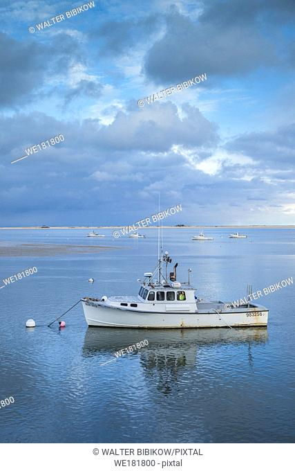 USA, New England, Massachusetts, Cape Cod, Chatham, Chatham Harbor, dusk