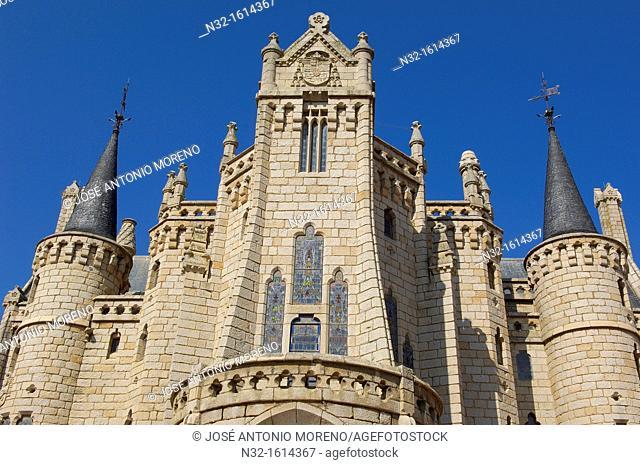 Episcopal Palace designed by Gaudi now Museo de los Caminos dedicated to the Way of Santiago, Astorga, Silver Route, Leon province, Castilla y Leon, Spain