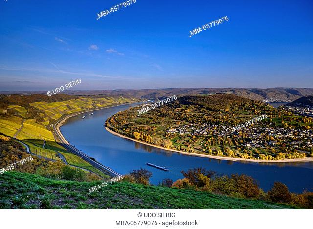 Germany, Rhineland-Palatinate, upper Middle Rhine Valley, Boppard, Rhine loop west part, Bopparder Hamm and townscape Filsen, view from the Gedeonseck