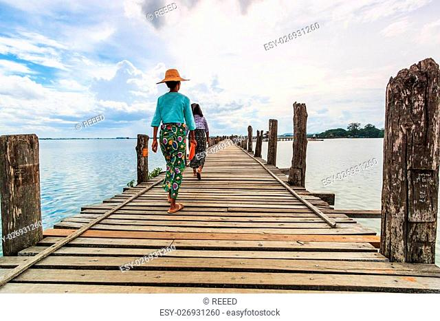 U bein bridge, Taungthaman lake, Amarapura, Burma. It is the old