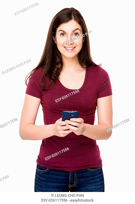 Caucasian woman use of the cellphone
