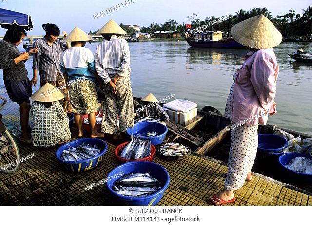 Vietnam, Hoi An, a litlle charming city (UNESCO World Heritage), the fish market