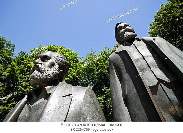 Marx-Engels-Denkmal monument, Mitte district, Berlin, Germany, Europe