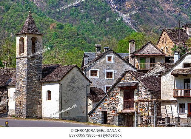 ein abgelegenes Tal im Ticino, welches Berà hmtheit fà r seine Rustici erlangte
