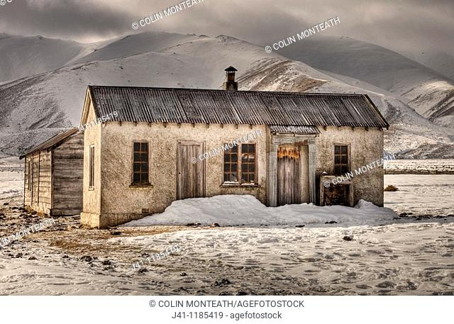 Abandoned farm house, Oteake Conservation Area, near Hawkdun range, Central Otago, New Zealand