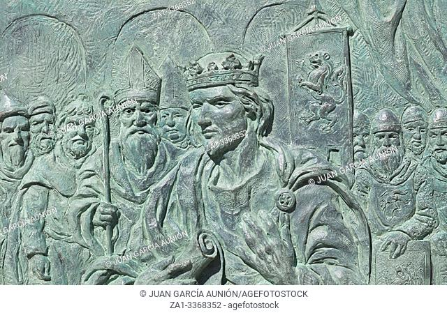 Alfonso IX, 12th Century king of Leon and Galicia. Monument at Santo Martino square, Leon, Spain. Sculpted by Estanislao Garcia Olivares