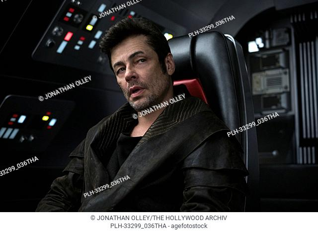 """Benicio del Toro as DJ in """"""""Star Wars: The Last Jedi"""""""" (2017)"""