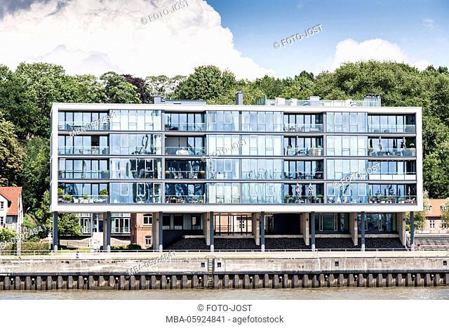 Hamburg, harbour, living on the water, stilt house, digitally arranged