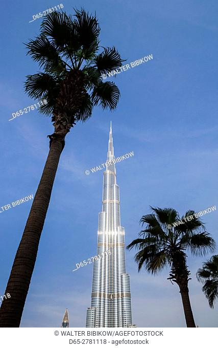 UAE, Dubai, Downtown Dubai, Burj Khalifa, world's tallest building as of 2016