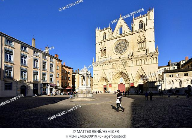 France, Rhone, Lyon, historical site listed as World Heritage by UNESCO, Vieux Lyon (Old Town), Saint Jean Cathedral (Saint John's Cathedral)