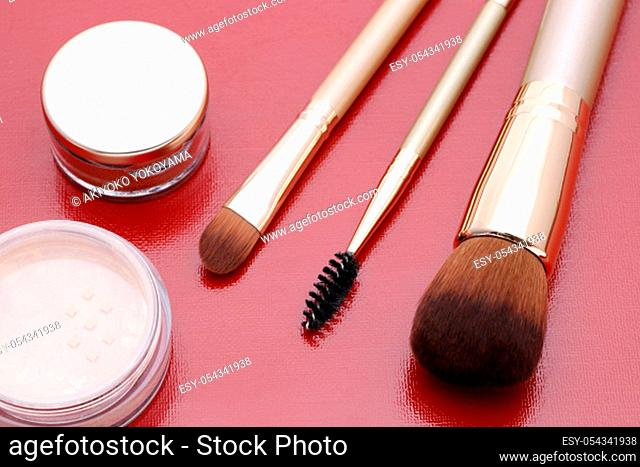 Set of makeup brush and face powder, Women accessories