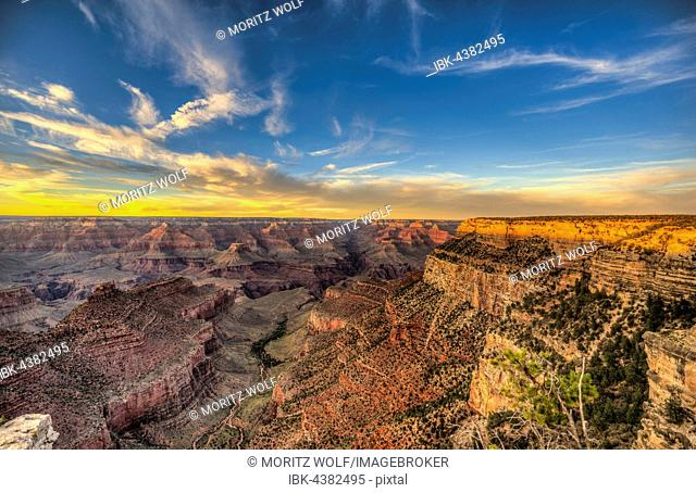 Sunset over Grand Canyon, Grand Canyon National Park, South Rim, Arizona, USA
