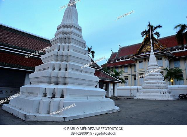 Wat Sraket at nightfall, Bangkok, Thailand